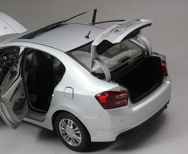Xe mô hình Honda City tỉ lệ 1:18 - ảnh 30