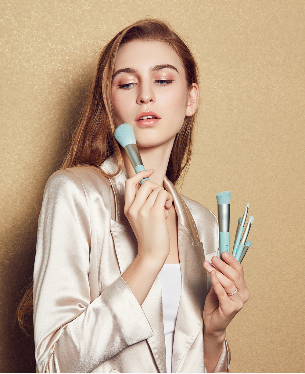 化妆刷套组眼影刷子化妆工具散粉腮红粉底刷眉刷支全套详细照片