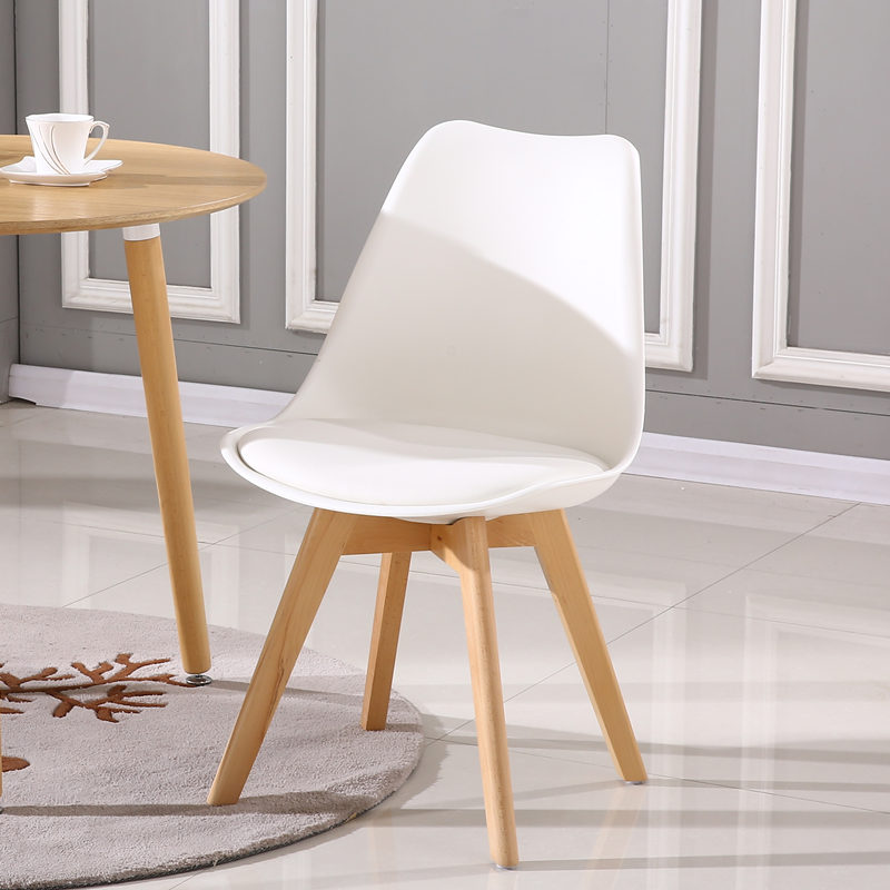 Stylish Scandinavian Eames Chairs Modern And Simple Solid Wood Leisure  Dining Chair Restaurant Designer Plastic Table