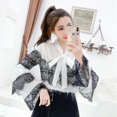 2019春装新款V领系带蝴蝶结喇叭袖很仙的上衣甜美显瘦流苏蕾丝衫