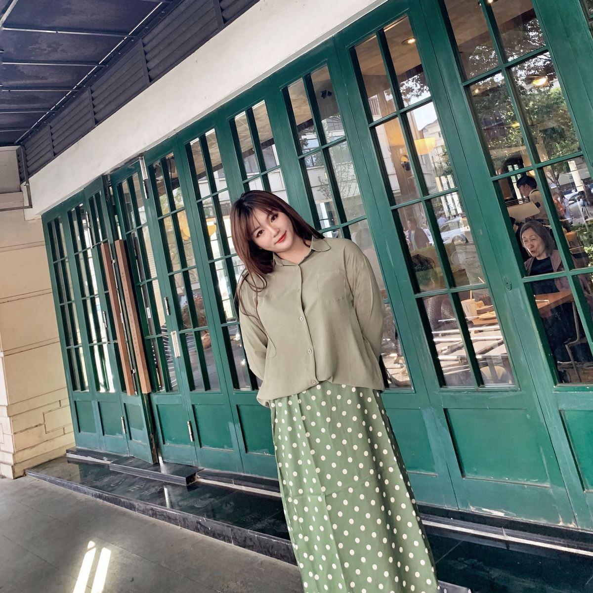 气质草木遮肉显瘦时尚绿舒适衬衫波点件套裙两半身哒头定制429
