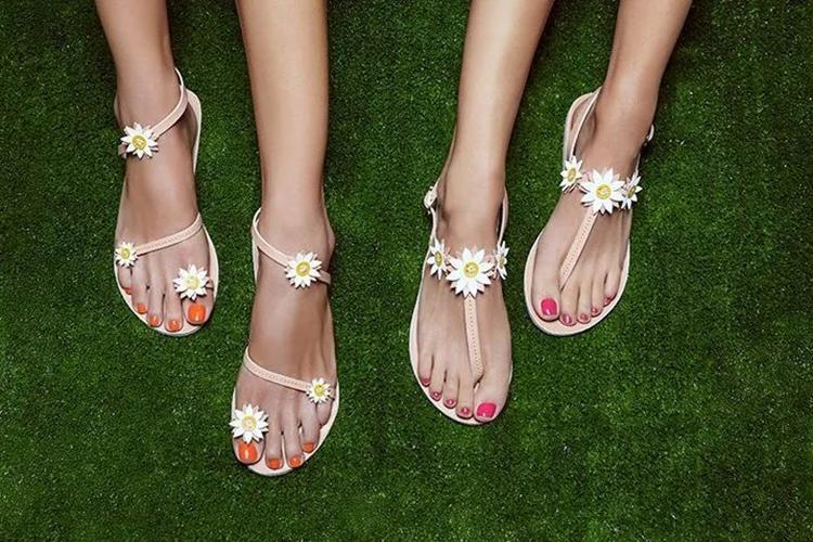 当凉鞋成为街拍利器,让你潮流一夏天