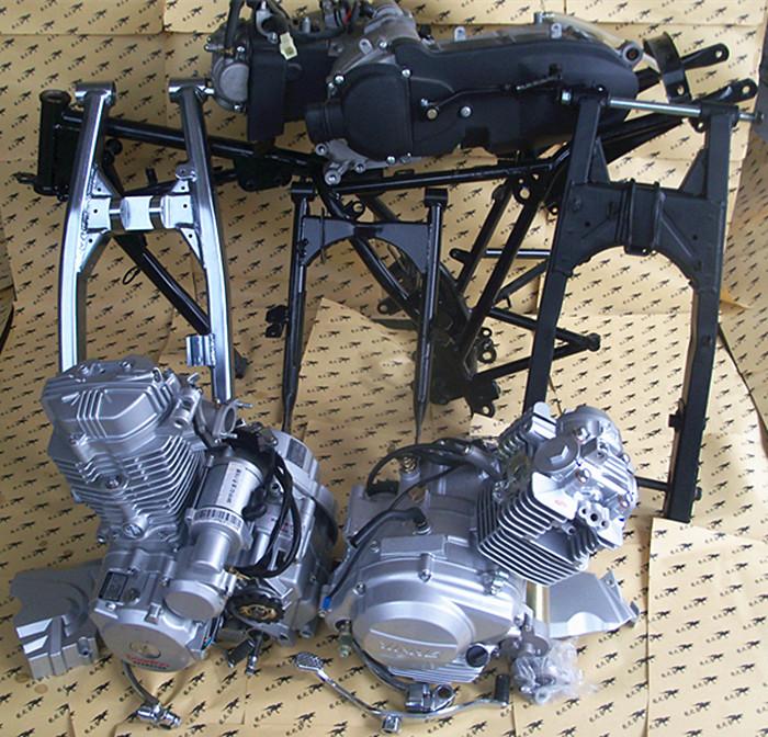 CG125/150/175/200天剑福喜巧格大运三轮摩托车/发动机后平叉车架