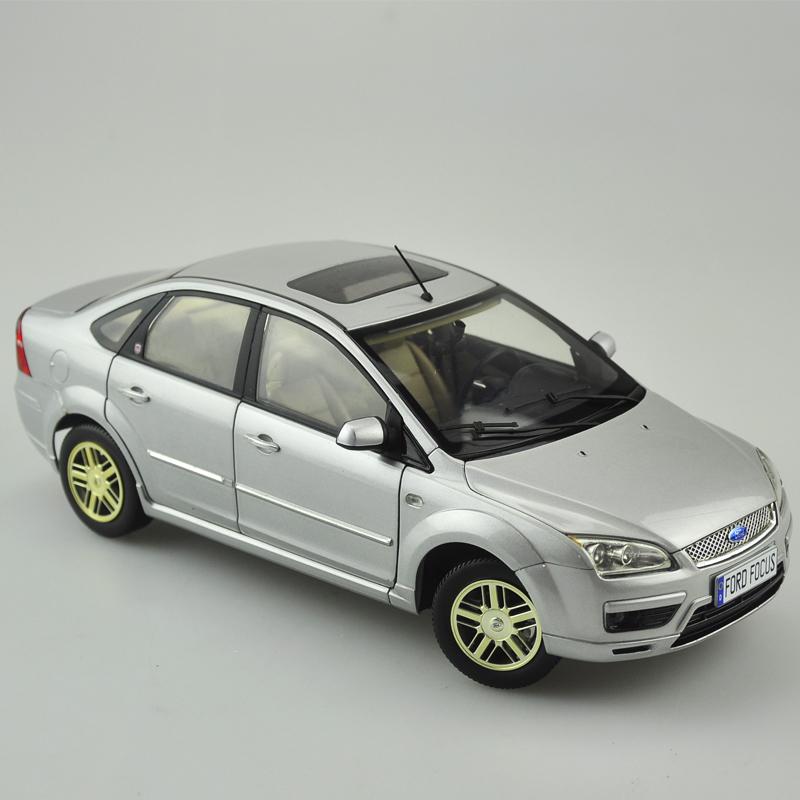 Xe mô hình tĩnh  Ford Focus tỉ lệ 1:18 - ảnh 2