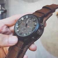 Британские нишевые часы мужской модные корейская версия Личность студента вибрирует китайский полицейский спецназ мужской Большой циферблат