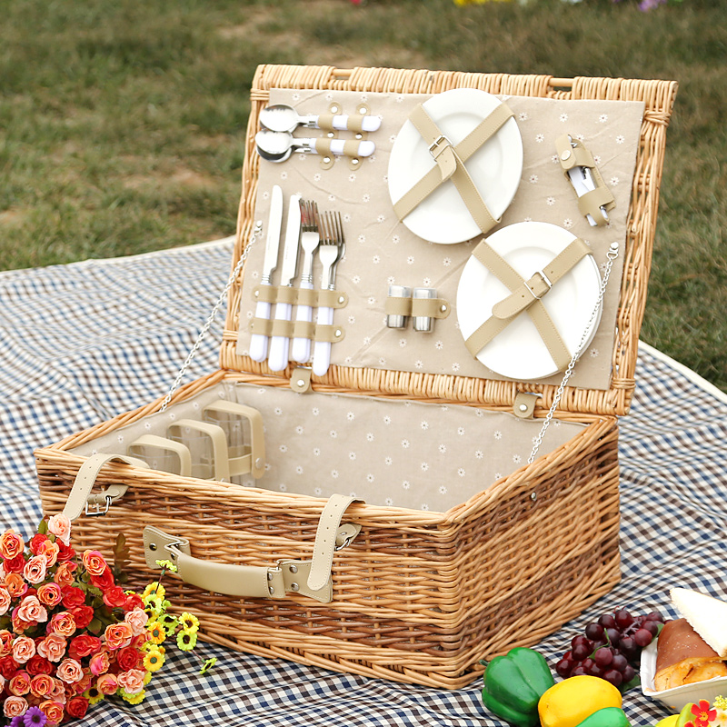 LWT-034 MEAL BASKET + UPGRADE 4 PERSON STAINLESS STEEL CUTLERY