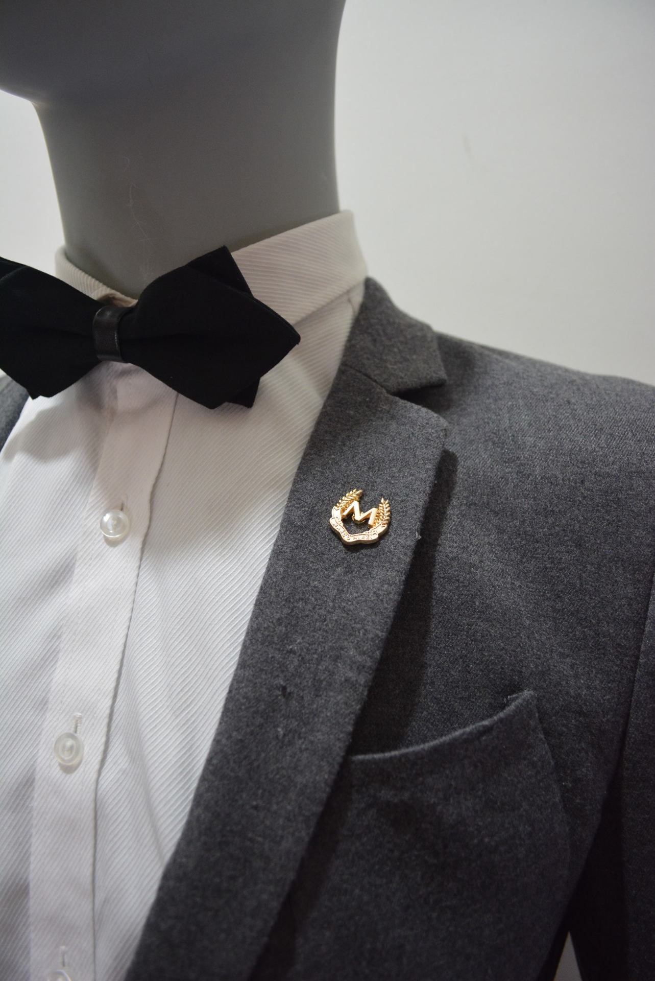 duo petal finish lapel pin with silver suit chain rosette single badges brooch and