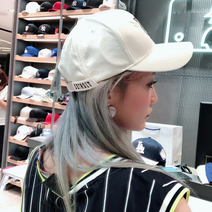 864ba19af87 Jin Bao Han generation MLB baseball cap hat spring and summer Tiger White  adjustable duck tongue. Zoom · lightbox moreview · lightbox moreview ·  lightbox ...