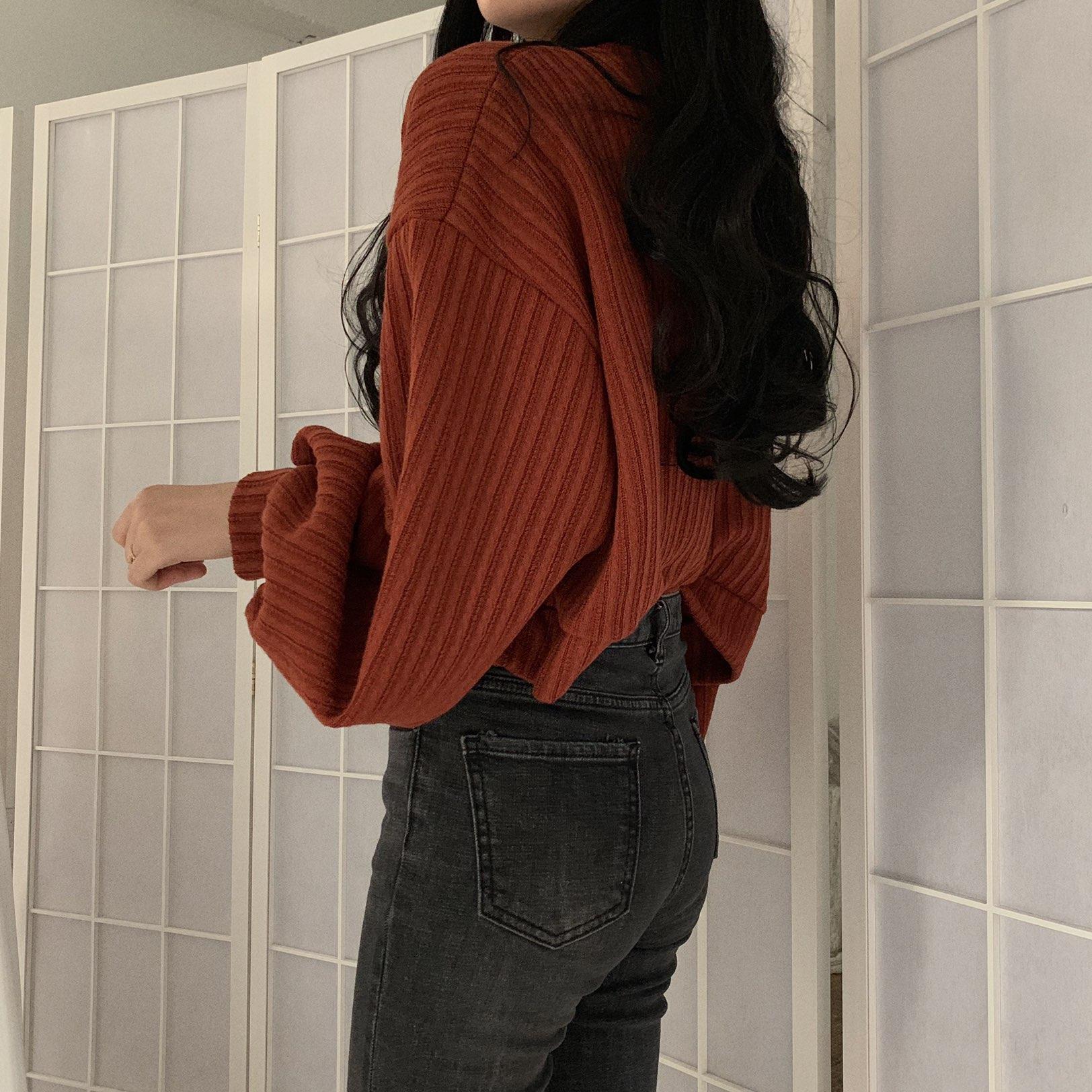 細身効果抜群♪長袖Vネック無地ゆったりショート丈セーター - トップス