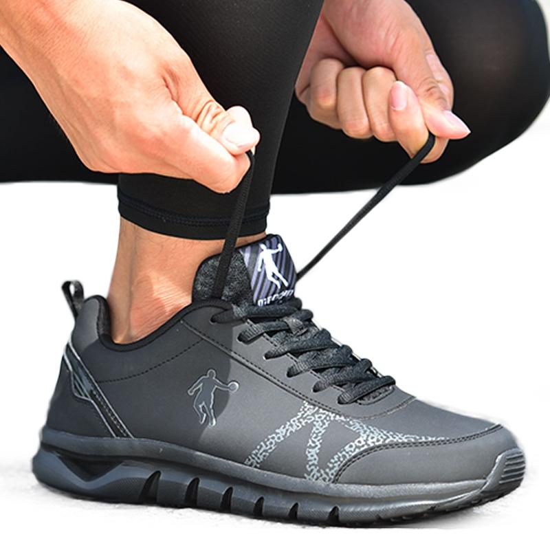 乔丹男鞋黑色跑步鞋乔丹正品2019春款运动鞋皮面时尚旅游鞋复古鞋
