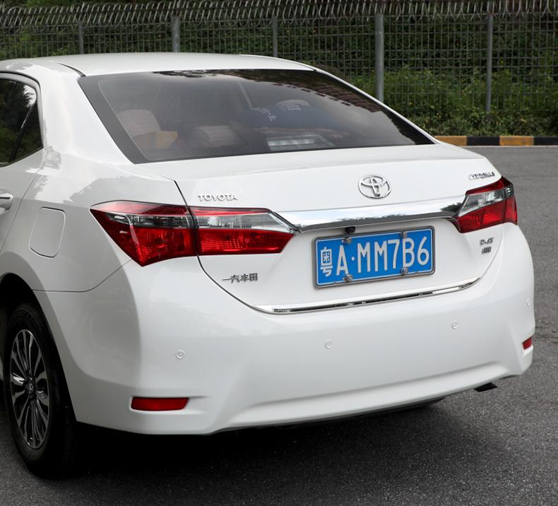 Ốp viền trang trí sau cốp Toyota Corola Altis 2014 - 2018 - ảnh 17