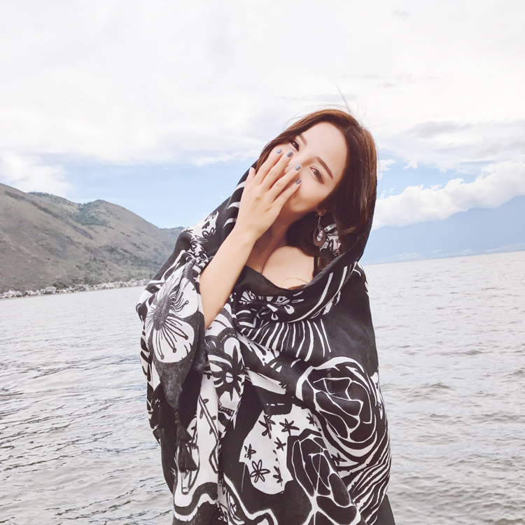 New cotton and linen scarf black and white totem long silk scarf seaside tourism beach towel sunscreen shawl NHTZ180005