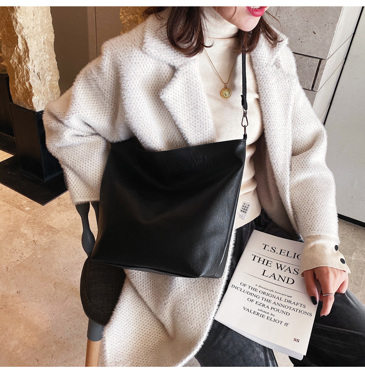 Winter new simple large-capacity hand bucket bag female fashion student shoulder bag NHXC192265