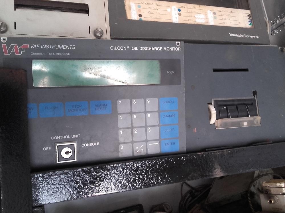 Omron E2E-CR8C1 Inductive Proximity Switch Sensor 12-24VDC NIB