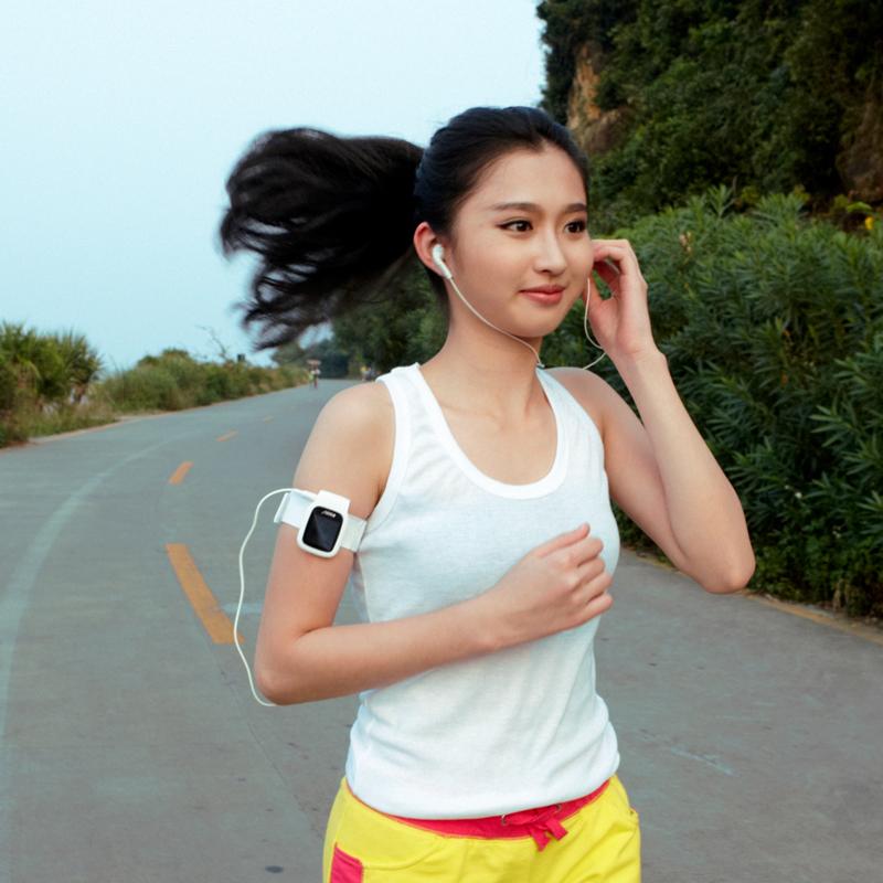 亚博体育吧族X09迷你 MP3 播放器 有屏跑步运动型小夹子MP3随身听插卡 mp4