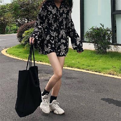 秋季韩版外套宽松防晒开衫复古灯笼衬衣女装树叶印花衬衫长袖v外套