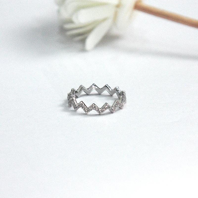 【直营】APM MONACO女士925银镶钻Z字形戒指纯银个性时尚银戒指