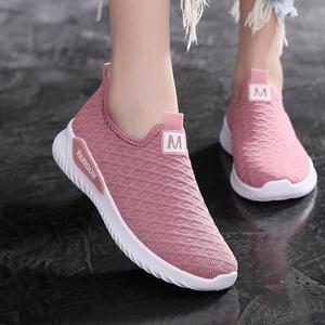 老北京布鞋女士春季中年软底轻便百搭防滑