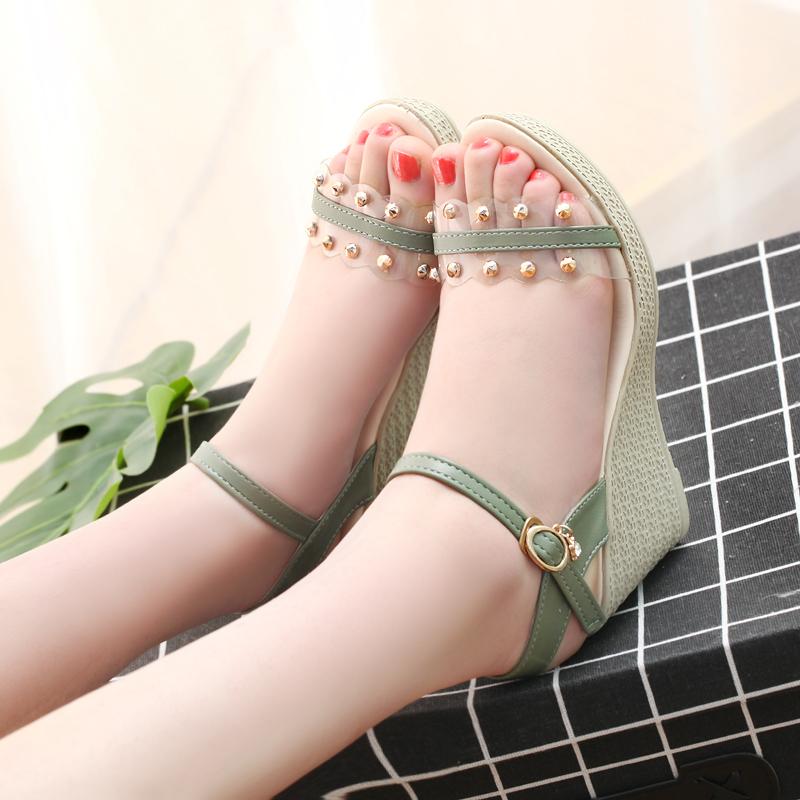 2020年大码新款凉鞋女时尚韩版坡跟高跟女鞋露趾夏季单鞋