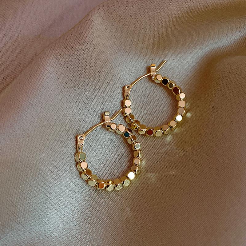 Korean circle earrings Femininity fashion high-class sense atmospheric exaggerated circle Sterling Silver retro port wind European and American earrings