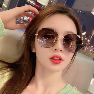 女士太阳镜新款偏光防紫外线墨镜韩版网红同