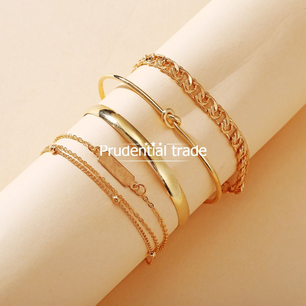 Hand decoration: simple chain ring bracelet set of 4 pieces