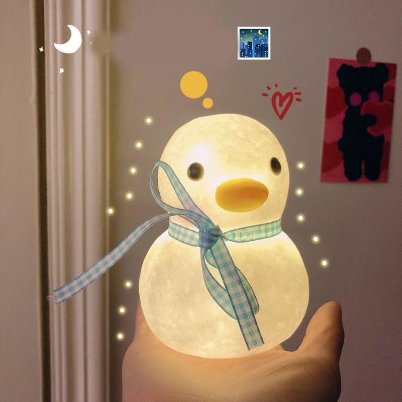 可爱鸭鸭小夜灯∑不插电ins少女心卡通创意摆件卧室床头灯→生日礼物
