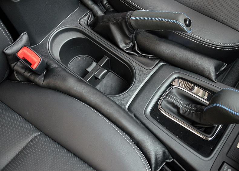Nhét khe ghế chống rơi đồ Subaru Forester - ảnh 6