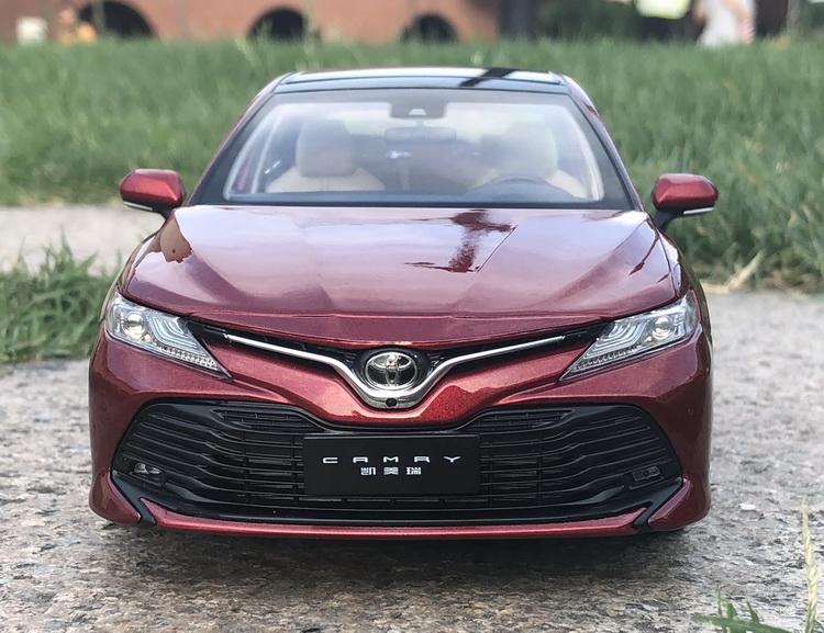 Xe mô hình tĩnh tỉ lệ 1: 18 Toyota Camry 2019-2020 - ảnh 19