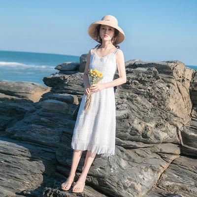 2020夏季新款女裙子收腰显瘦气质夏天长裙遮胯法式复古吊带连衣裙