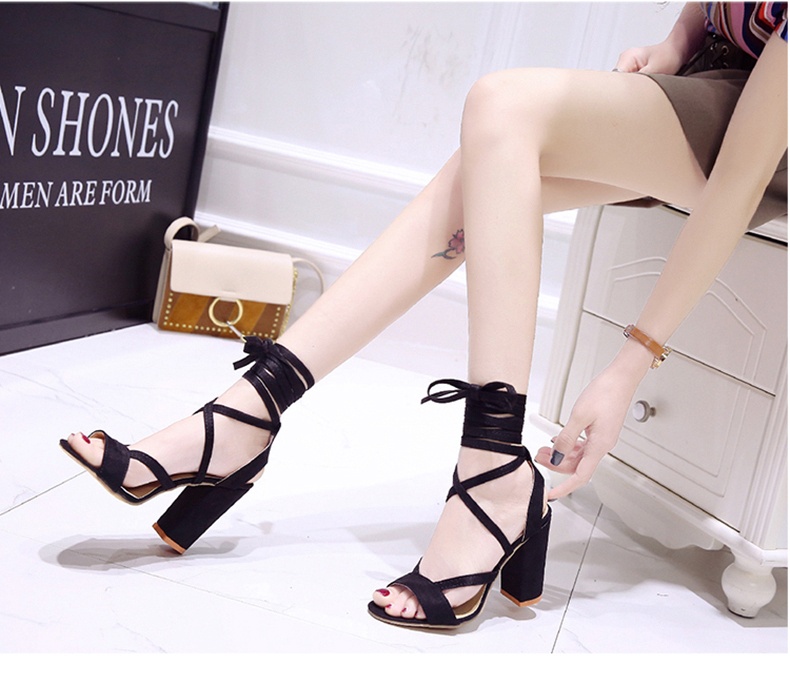 Summer new Roman style cross straps thick with sandals wild small fresh high heels. 22