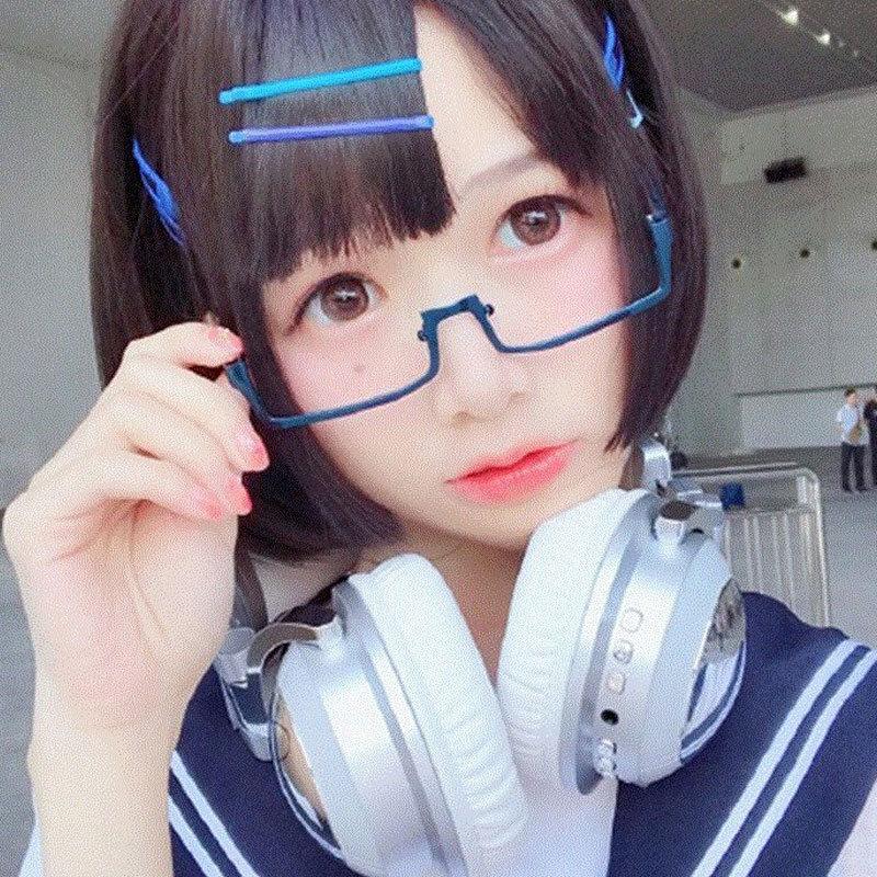 Phim hoạt hình Nhật Bản cô gái mềm nửa dưới kính gọng nam Douyin net màu đỏ kim loại thứ cấp nhỏ vuông kính trang trí khung nữ - Kính khung