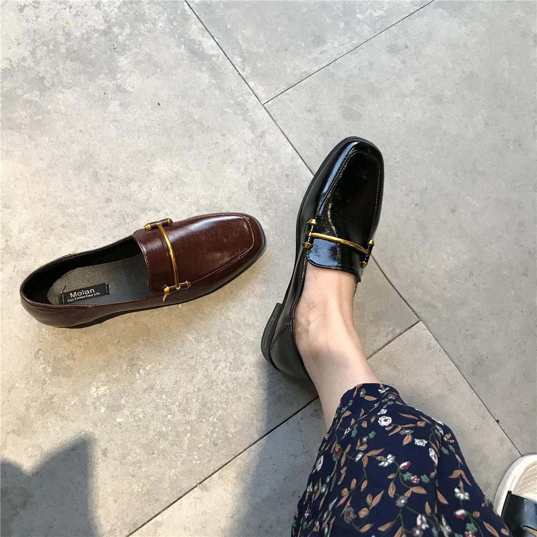 2018年韩国英伦风金属扣帅气漆皮休闲百搭复古平底鞋单鞋小皮鞋女