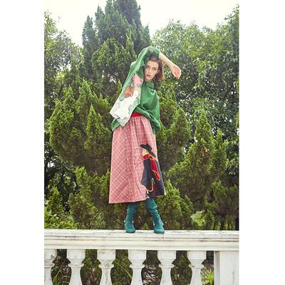 两三事波士顿授权布留安红春设计感印花半身裙法式复古个性小众潮