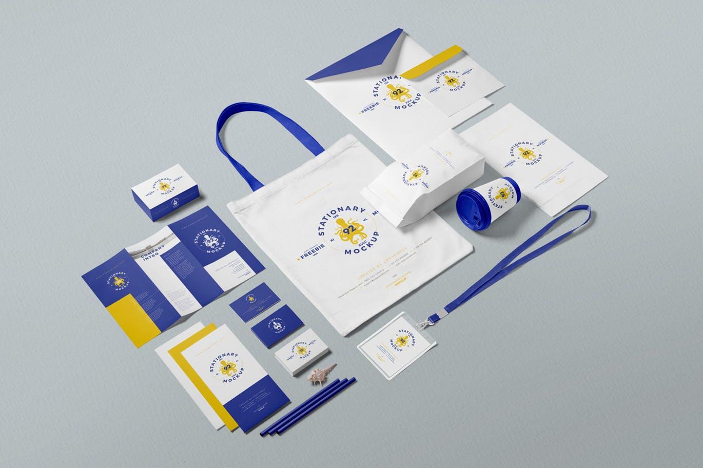 Mockups | 多角度蓝黄白撞色商业商务文具PSD模型样机场景设计素材模板