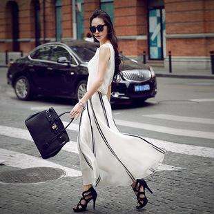 阔腿裤已退场,时髦女人上班出门都穿小香风套装