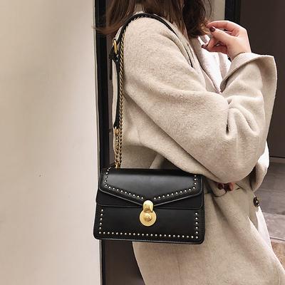 网红小黑包质感包包女 新款斜挎包铆钉单肩链条复古港风小方包