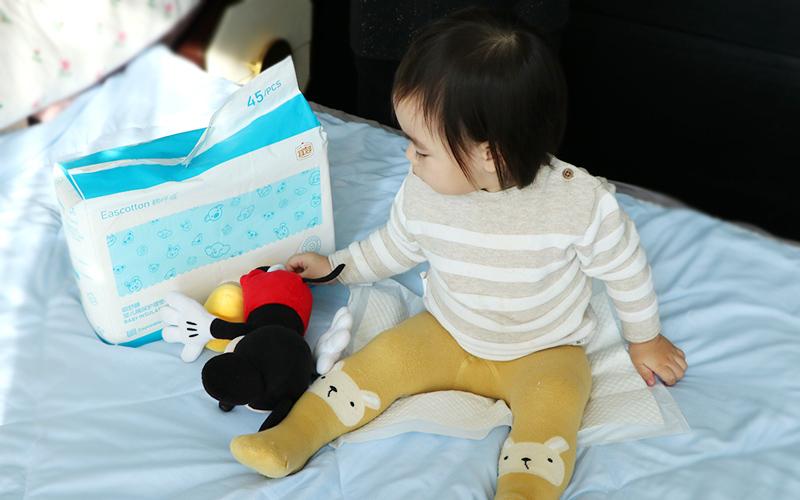 宝宝要用的隔尿垫,该选哪种?