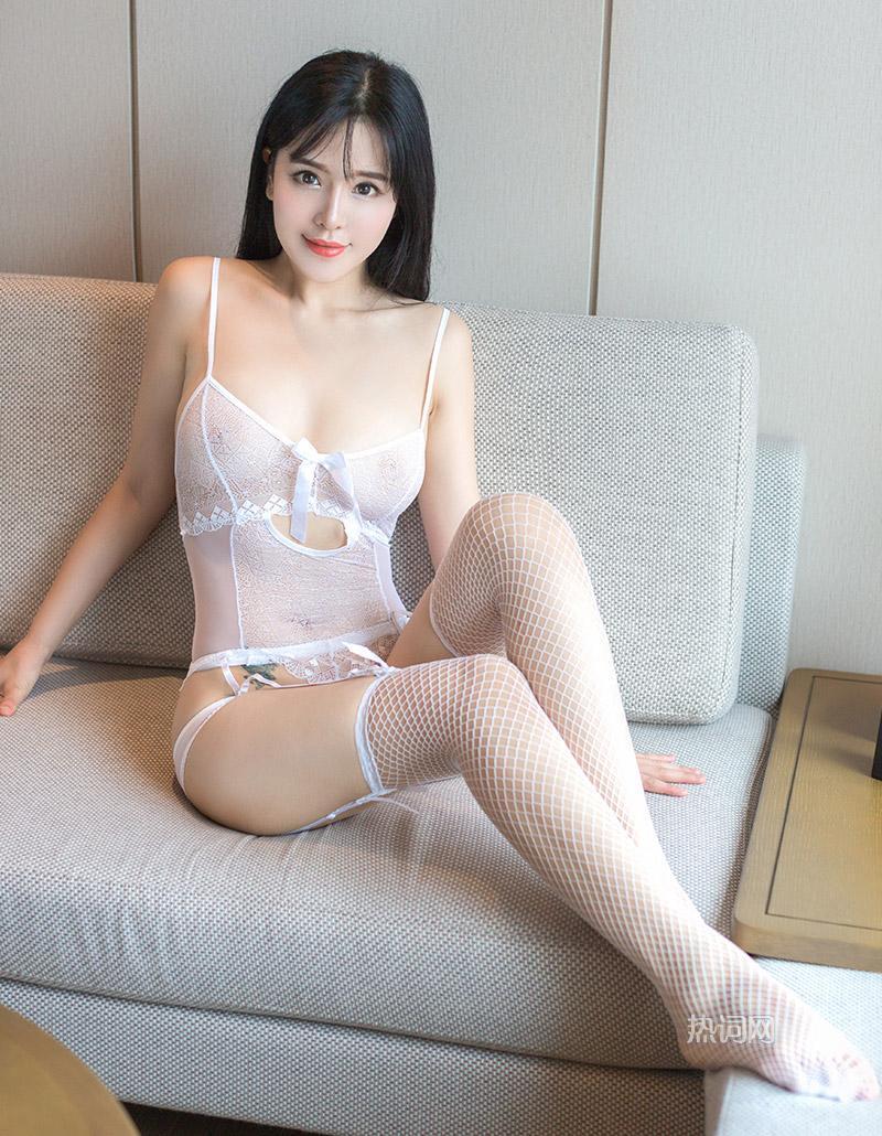 嫩模女神刘钰儿白色蕾丝边丝袜情趣内衣系列完美诱惑写真 养眼图片 第3张