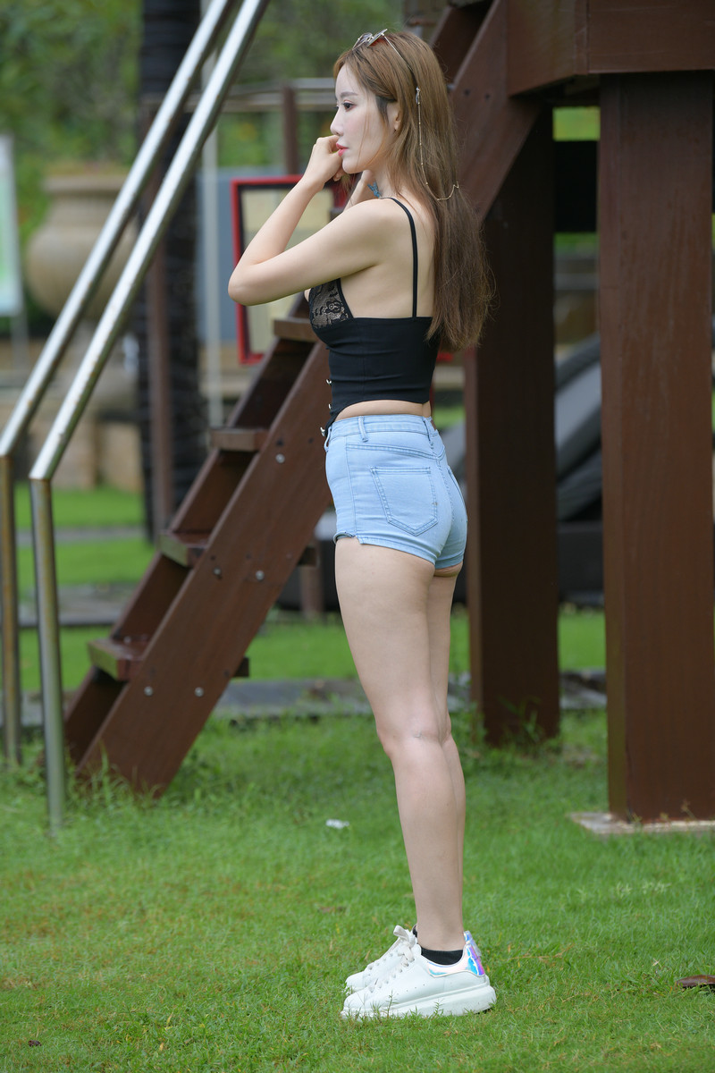 魂魂旅拍摄影牛仔热裤美女【套图+视频】 47164716  帖子ID:851