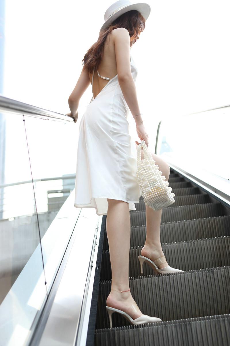 芝芝街拍作品都市丽人第二季白色裙装【视频+套图】 59605960 魔镜街拍,魔镜原创摄影,性感美女,街拍第一站,3a街拍, 帖子ID:696