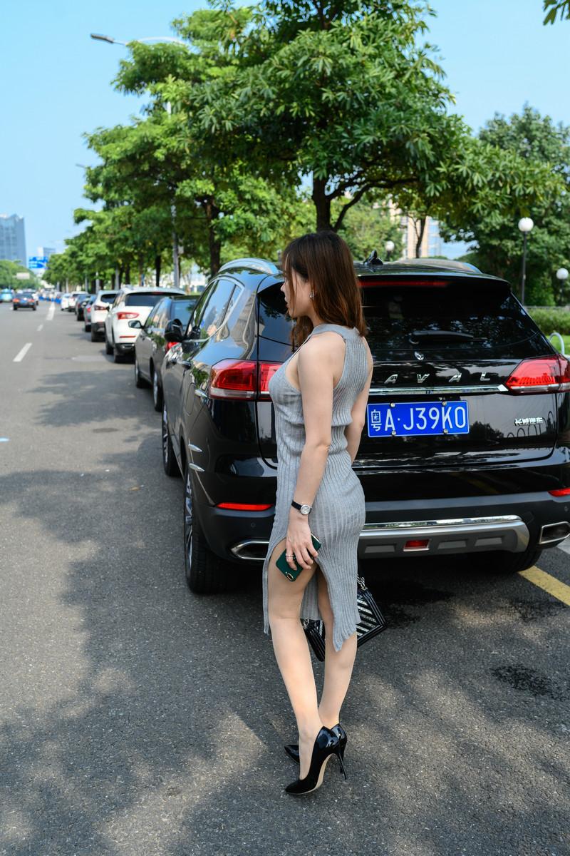 御风街拍丝足系列灰裙肉丝的艾小青参观漫展【套图】 97619761  帖子ID:826