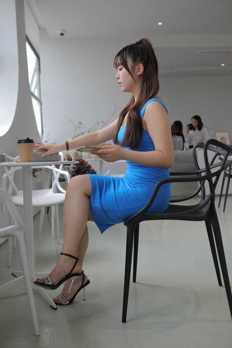 凯恩模拍作品丰腴的蓝色包臀裙美女【视频+图片】 93299329  帖子ID:763