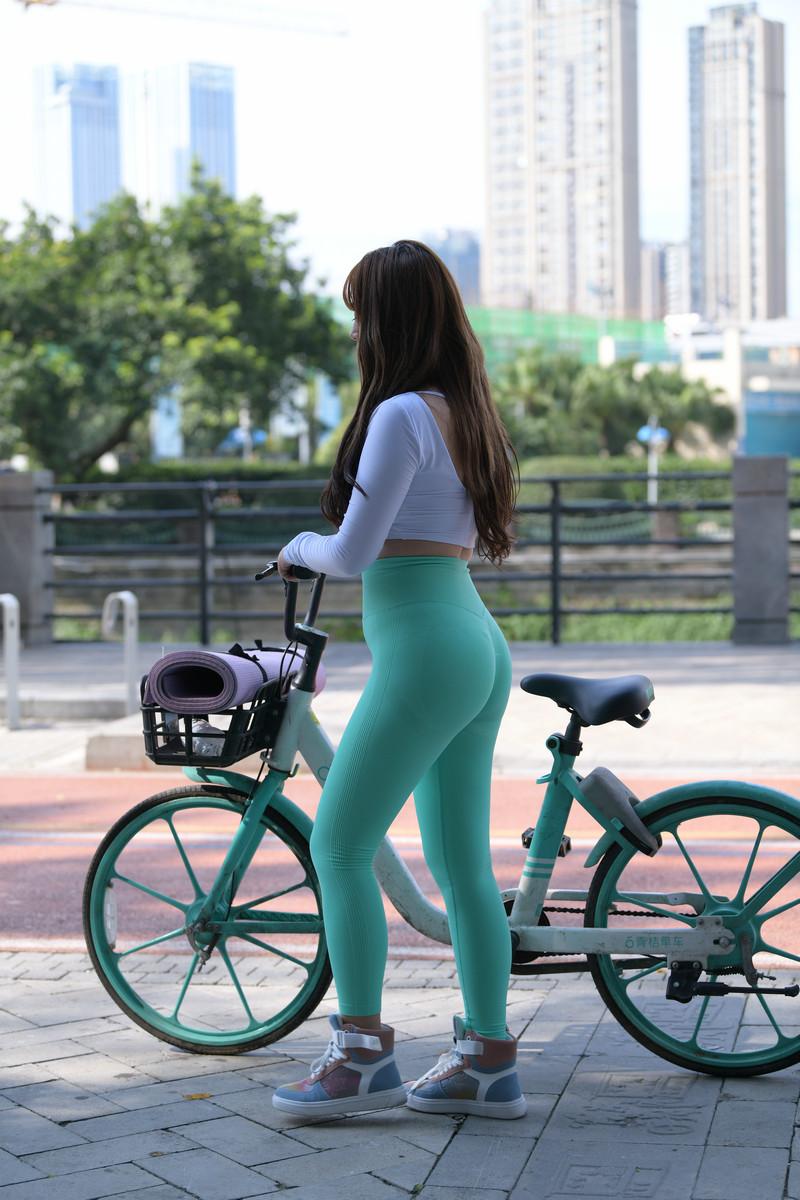 宅宅街拍作品绿色瑜伽裤女孩【视频+图片】 77597759 帖子ID:785