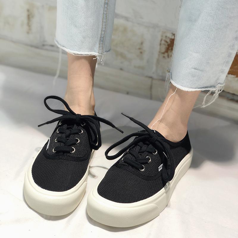 欧洲站系带2020夏季新款欧货平底女鞋圆头网布v系带低帮小白鞋板鞋