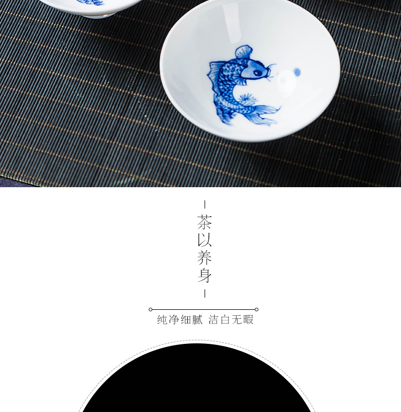 Blue and white porcelain painting small carp cups cups hat cup painting under the glaze color kung fu tea sample tea cup