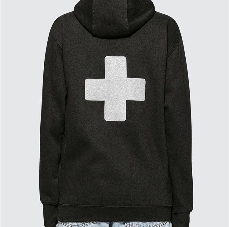 Địa điểm cộng với khuôn mặt P + F Los Angeles hiển thị giới hạn 3m phản chiếu chéo cộng với áo len nhung hoodie