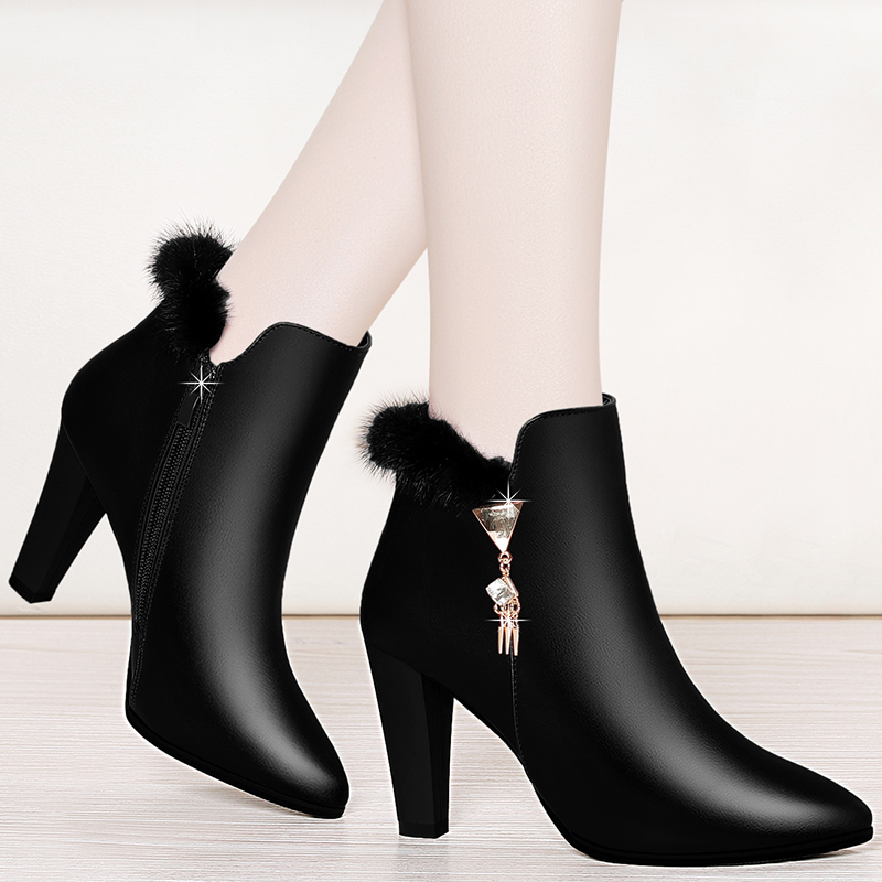 深口皮鞋女短靴2019新款冬季女鞋尖头女马丁靴粗跟高跟鞋时装靴子