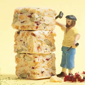 台峰巴旦木坚果雪花酥250g网红零食糕点心抹茶牛扎糖饼干蔓越莓味