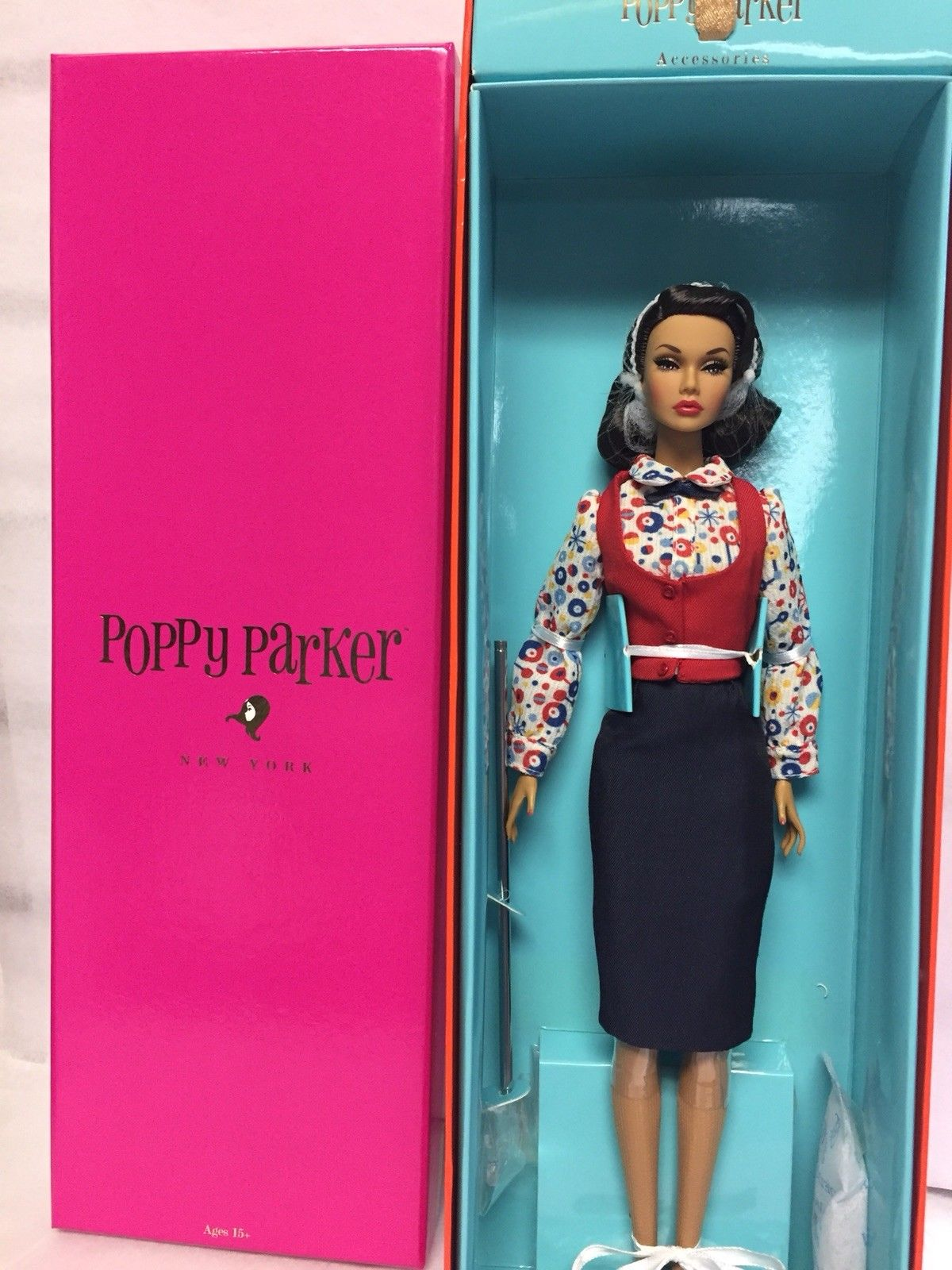 Fashion Royalty Poppy Parker Co-Ed Cutie 2018 教師 PP娃娃